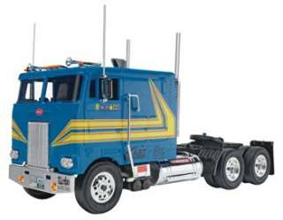 Revell 1/32 Snap Tite Peterbilt 352 Cabover 85 1964