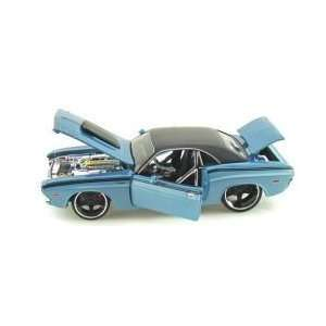 Maisto 1/24 Scale Diecast Custom Shop Series 1970 Dodge