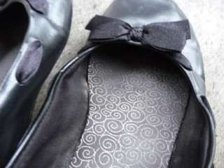 Well Worn Used Womens Black Ballet Flats Slipper Shoes Size 6 1/2
