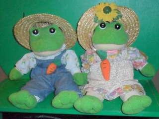 Two Stuffed Farmer Frogs Straw Hats Sunflower ~Cute Set